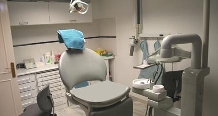 Aquí está uno de nuestros 2 sillas de la clínica